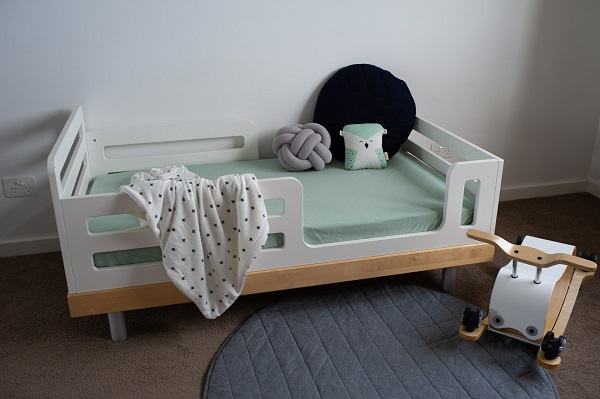Organic cotton cot sheet